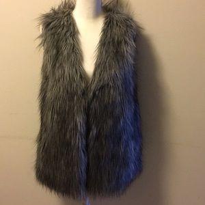 Love Token Faux Fur Vest Silver Grey Size M